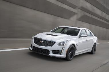2019-Cadillac-CTS-V_front_left